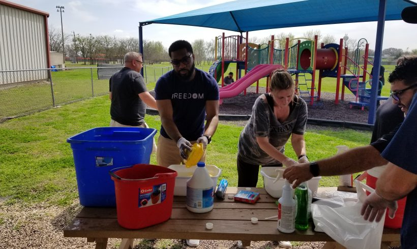 Dell Employees Volunteer at Hutto Head Start